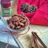 These pumpkin spice pecans take pecans to the next level of fall flavor favorites. #keto #paleo #whole30