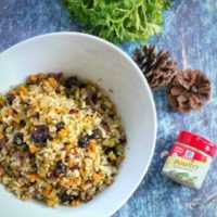 This rice cauliflower stuffing is a hit for those trying to make healthier choices during the holiday season.#whole30 #keto #glutenfree #paleo