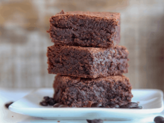 These 3 ingredient nutella brownies come together fast without the need for butter, cocoa powder or baking powder. Makes a quick and easy fudgy brownie dessert with a great hazelnut chocolate taste. Can be made gluten free easily! #chocolate #dessert #brownies #nutella